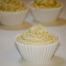 Lemon and mandarin cream cupcakes